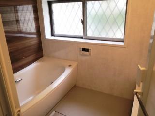 寒かった浴室を暖かくリフォーム